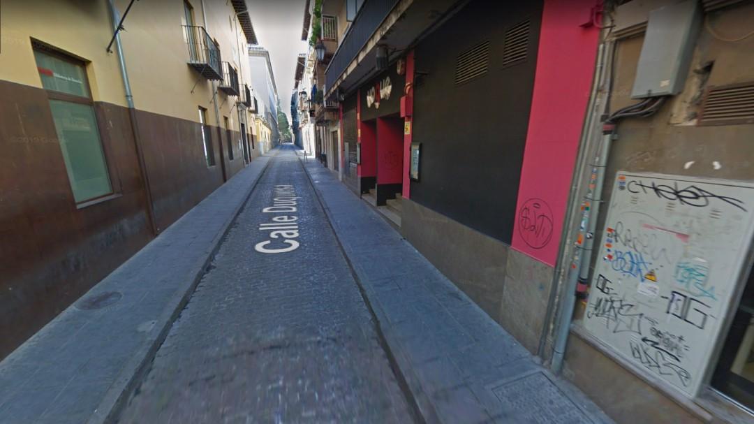 Agreden a un joven que defendió a una pareja homosexual en Granada