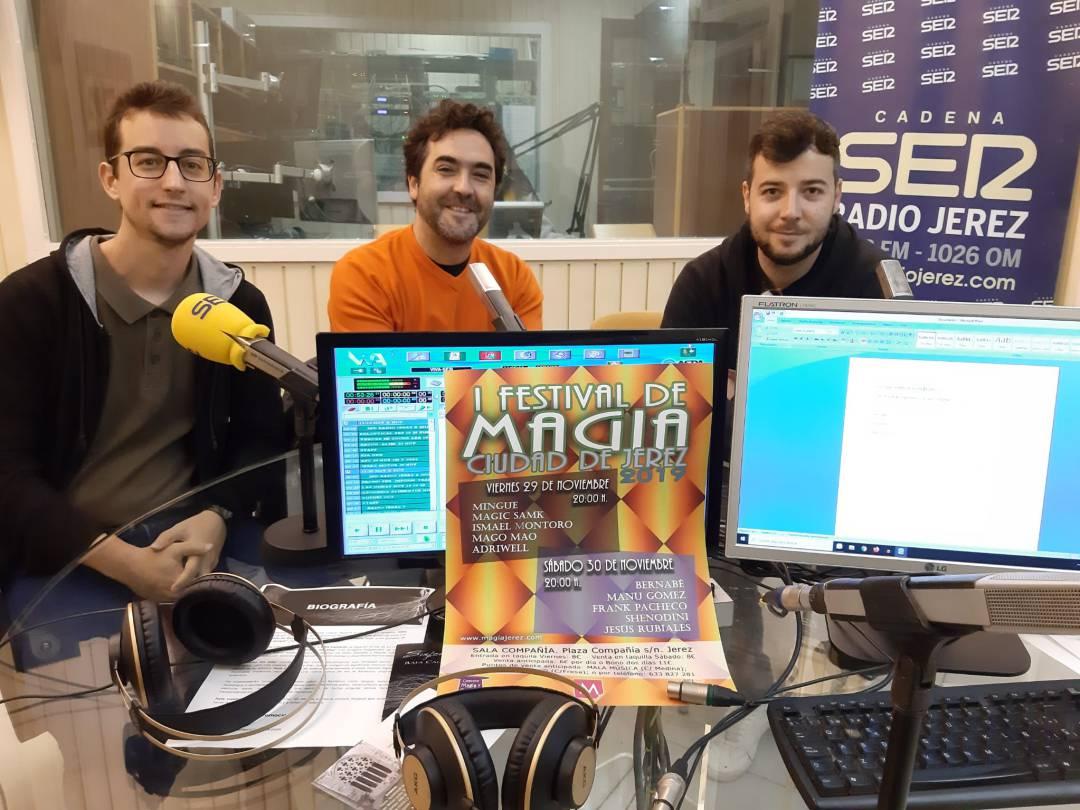 Los magos jerezanos: Adriwell, Bernabé y Manu Gómez.