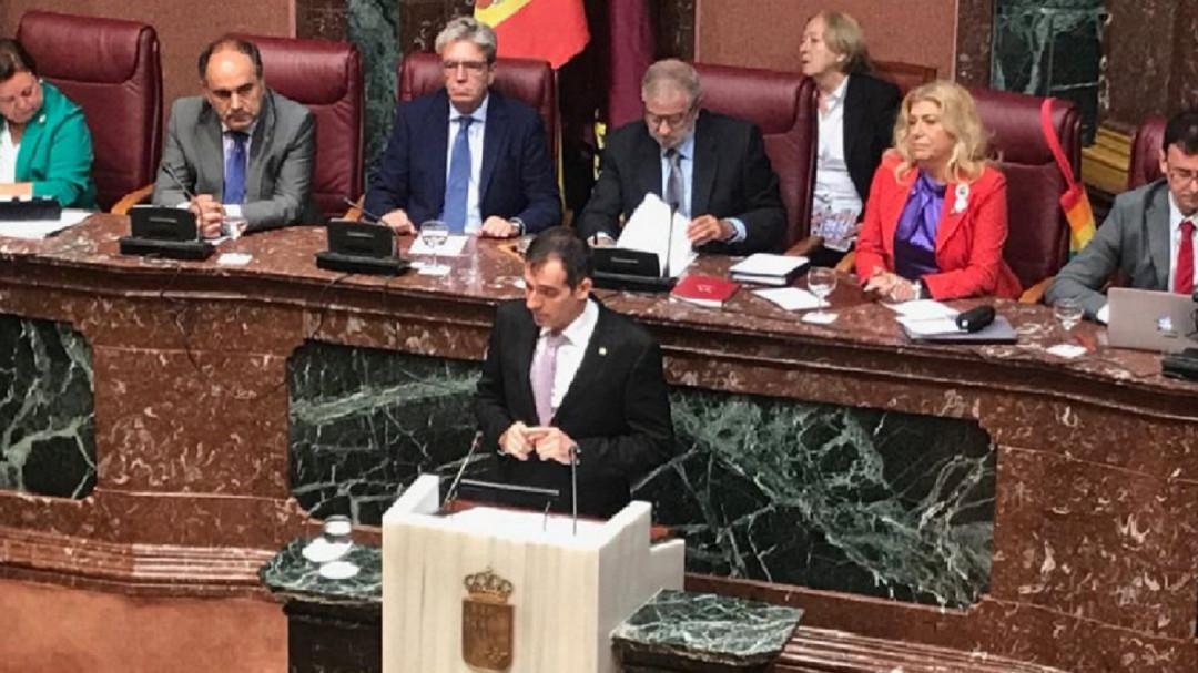 Vox se niega a firmar en la Asamblea regional la declaración sobre los derechos del niño