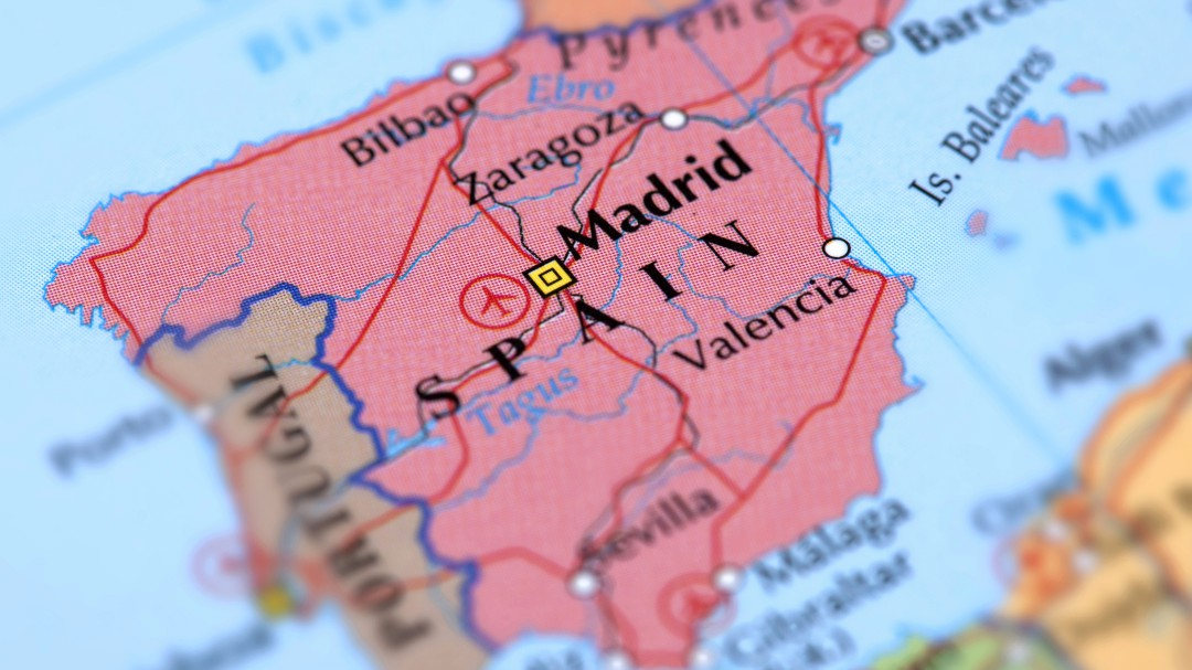 Descubre quiénes caen mejor y peor en España, según la encuesta del CEO