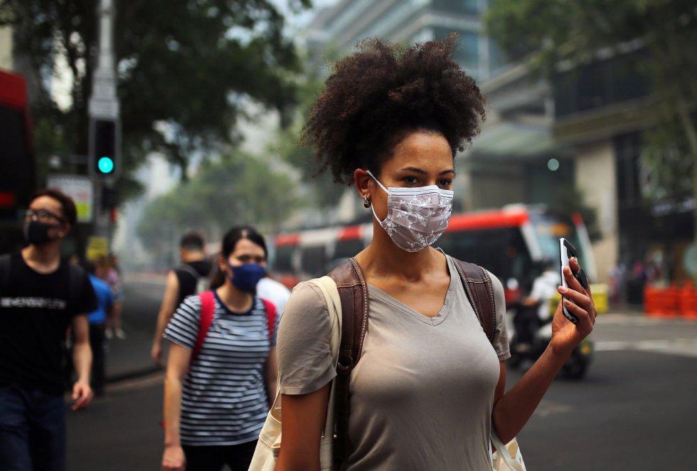 Algunas de las zonas más afectadas de la metrópoli son los barrios de Parramatta (noroeste), que alcanzó una concentración de 232 partículas más contaminantes (PM2.5), o Macquarie Park (este) con 255 partículas PM2.5, entre otras zonas a lo largo de la ciudad.