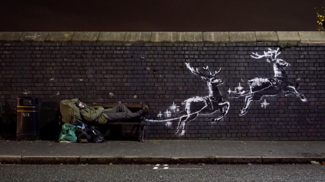 Banksy denuncia con un nuevo mural la situación que viven los sintecho en Navidad