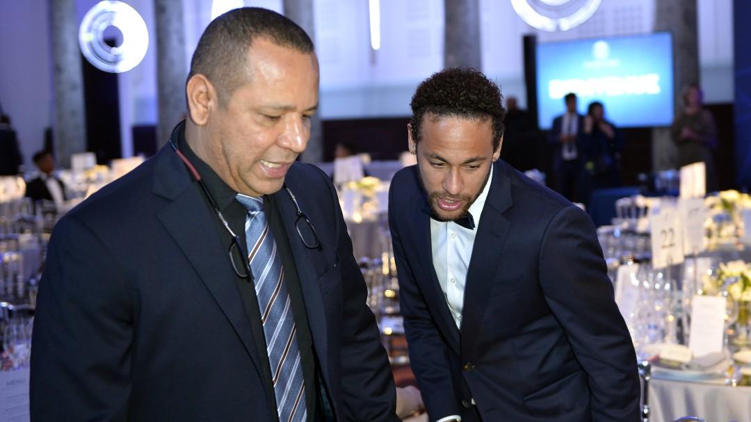 """El padre de Neymar: """"Más tarde o más temprano habrá un acuerdo con el FC Barcelona, con certeza"""""""