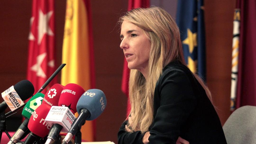 """Un concejal de Ador, sobre Cayetana Álvarez: """"¿Soy el único que ve un pene en su garganta?"""""""