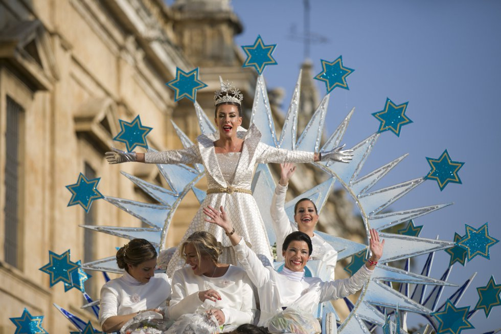 La Estrella de la Ilusión durante la cabalgata de los Reyes Magos 2020 en Sevilla, a 05 de enero de 2020.