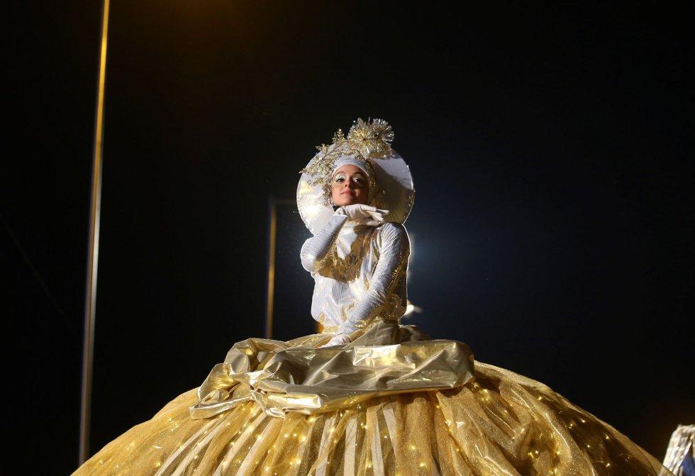 Uno de los personajes mágicos que acompañan a los Reyes Magos en su tradicional Cabalgata de Reyes en Madrid.