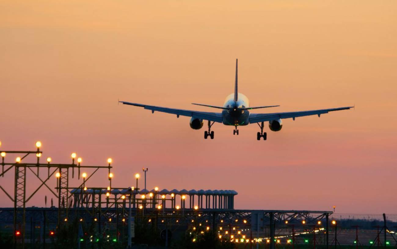 Colau pedirá al Aeropuerto del Prat que elimine el puente aéreo Barcelona-Madrid  | Política