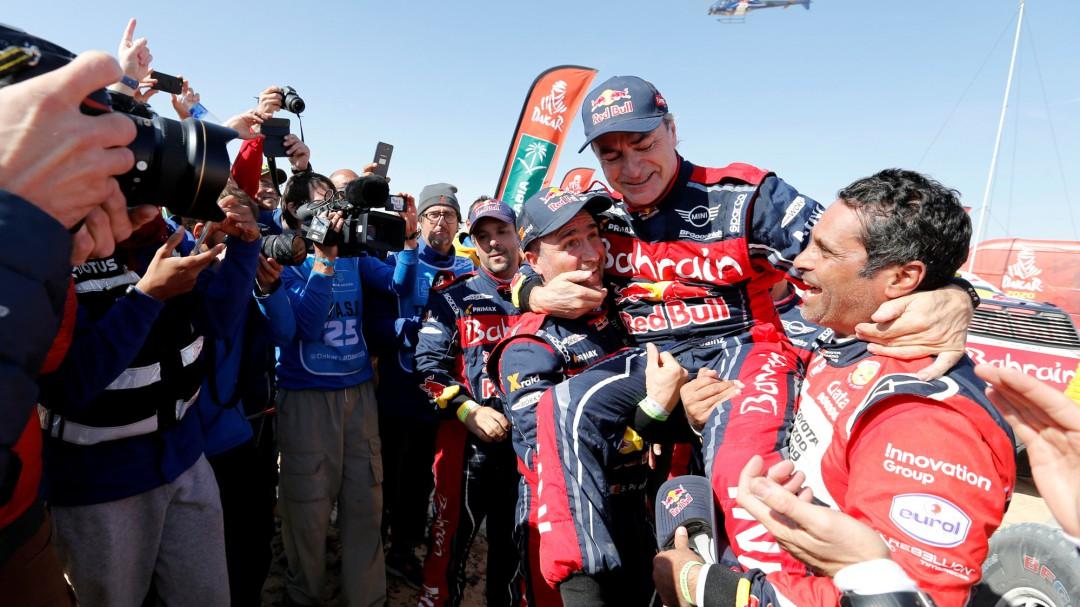 Carlos Sainz, campeón de su tercer Rally Dakar
