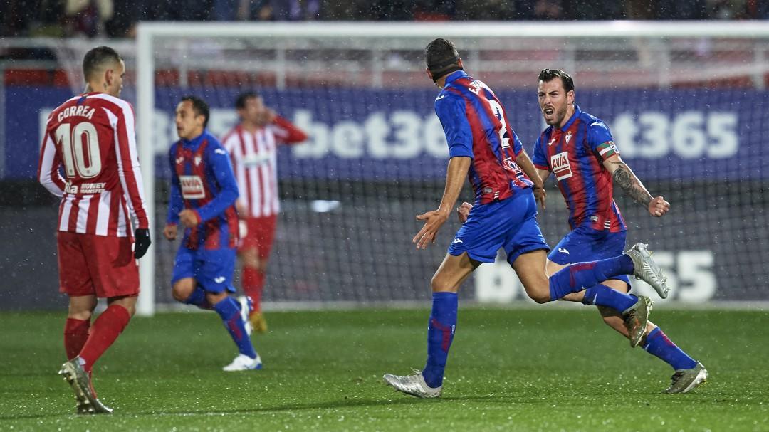 El Atlético de Madrid se lleva una nueva decepción ante el Eibar y se colocan a ocho puntos del liderato