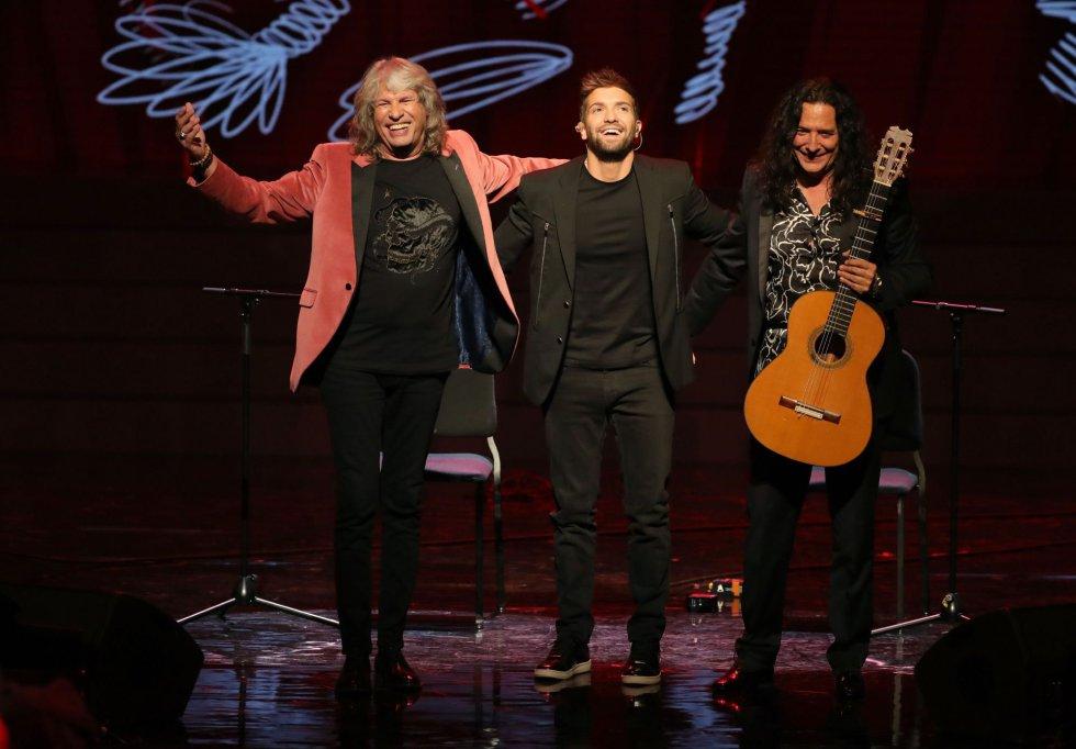 El cantaor José Mercé, el cantante y compositor Pablo Alborán, y el guitarrista Tomatito durante la gala