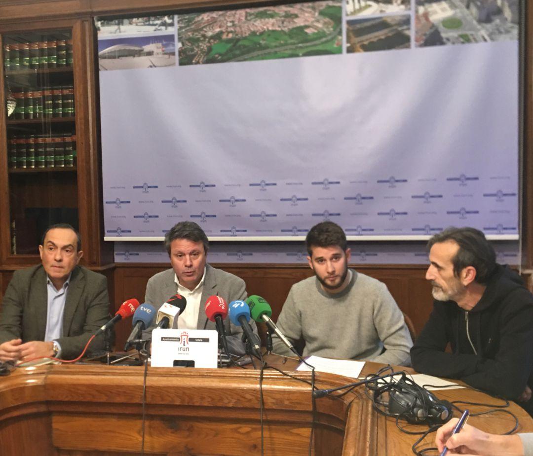 El PSE y Elkarrekin Podemos anuncian el acuerdo presupuestario que han alcanzado junto a EH Bildu en Irun