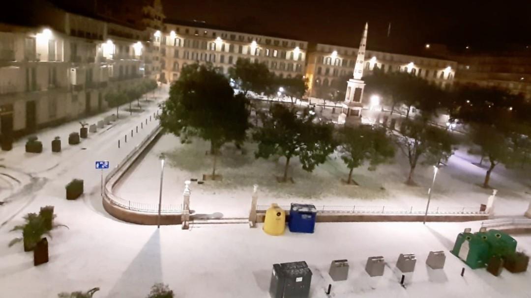 Una tromba de granizo colapsa Málaga y deja un reguero de incidencias