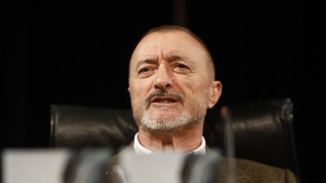 Cuando Pérez Reverte se benefició de las ayudas al cine que ahora critica