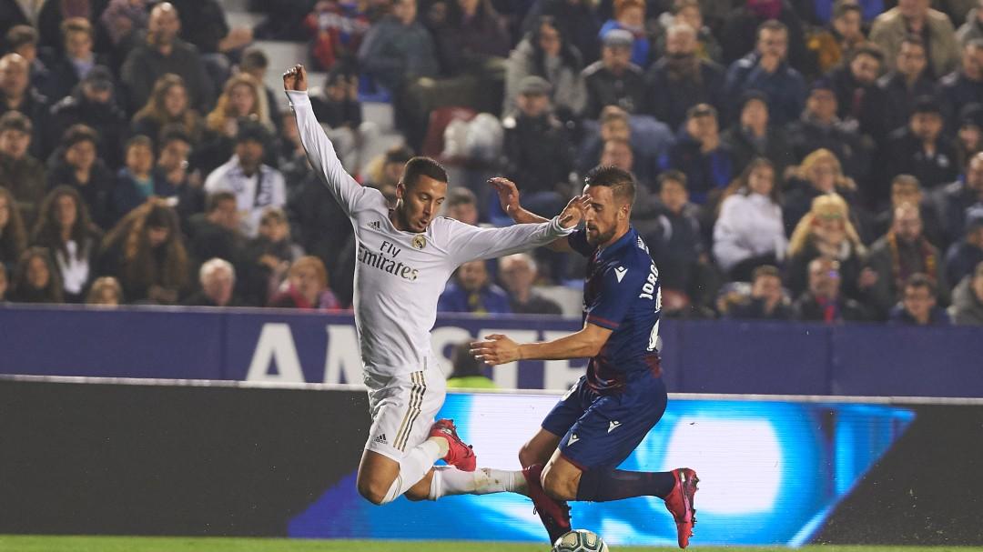 Hazard sufre una fisura en el peroné: puede perderse lo que resta de temporada