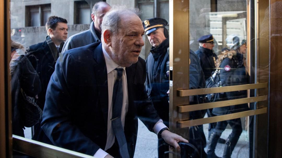 Weinstein, culpable de violación y acto sexual criminal: el jurado le absuelve de las acusaciones más graves