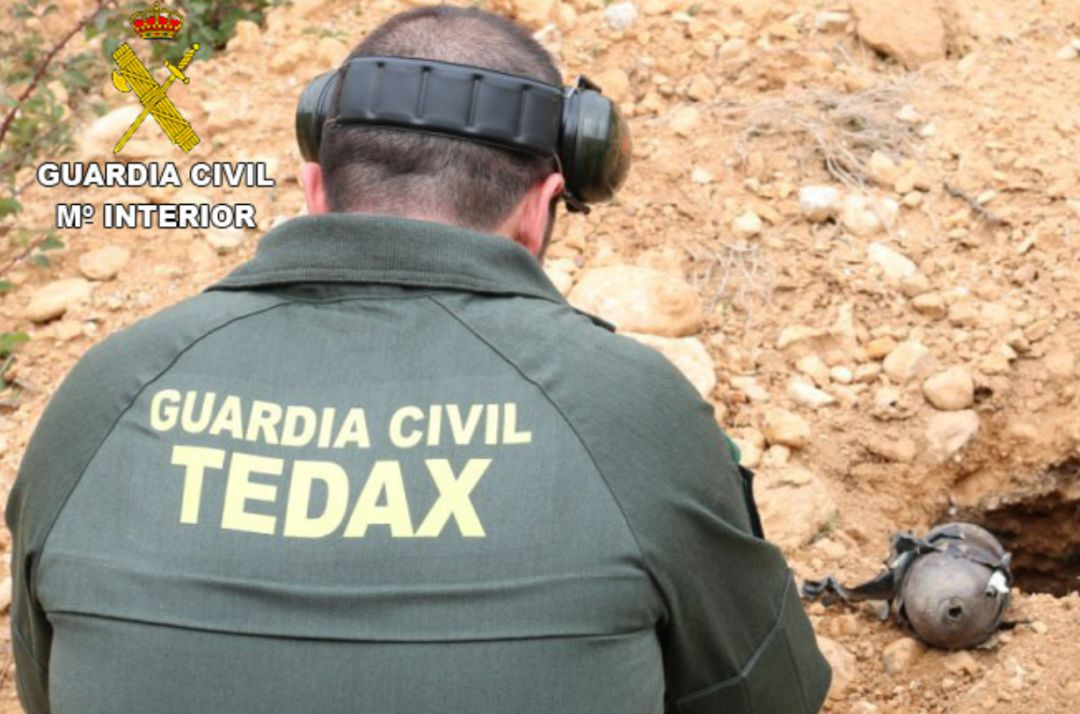 Agente del Tedax de la Guardia Civil