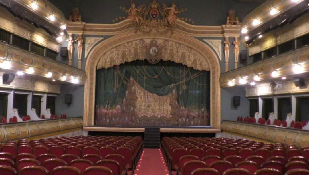 El Gran Teatro cumple hoy 100 años con las puertas cerradas por el ...