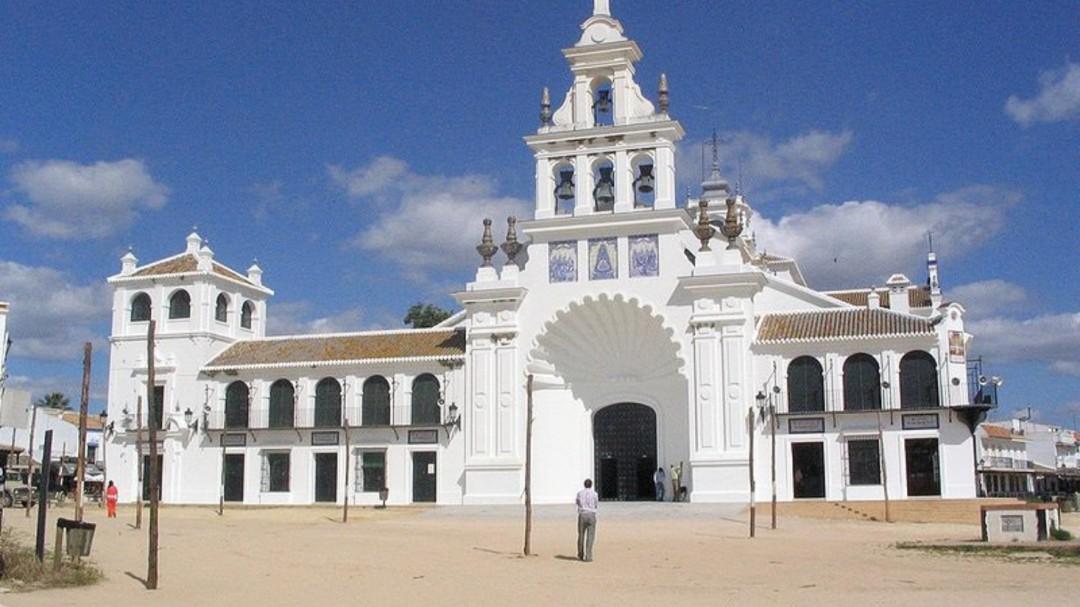 La alcaldesa de Almonte pide la presencia de la UME ante las concentraciones en El Rocío