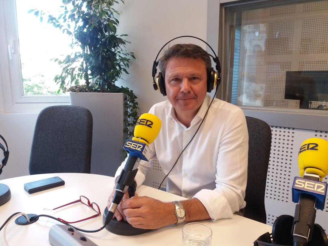 José Antonio Santano, alcalde de Irun, en una entrevista en Radio Irun.