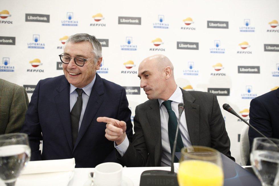 Michael Robinson con Luis Rubiales en Madrid en febrero del 2019.