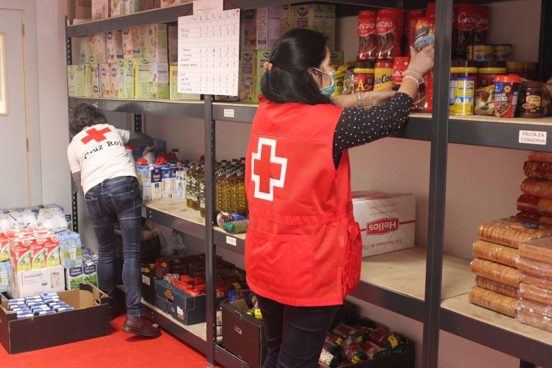Cruz Roja está prestando atención permanente a los más necesitados con ayudas básicas
