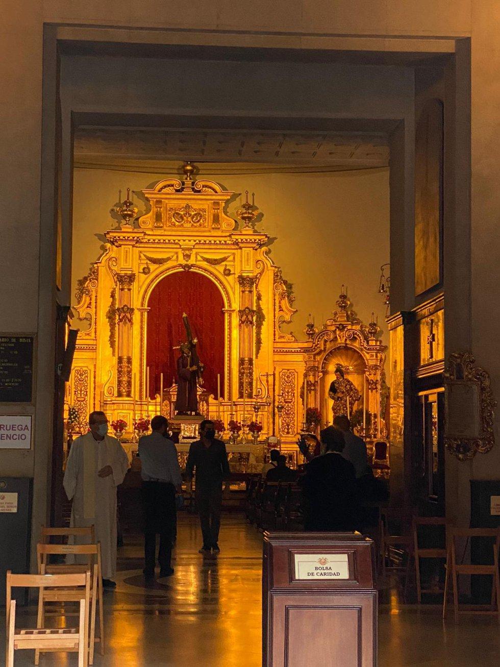 La Basílica del Gran Poder, abierta desde las 8 de la mañana de este lunes 11 de mayo.