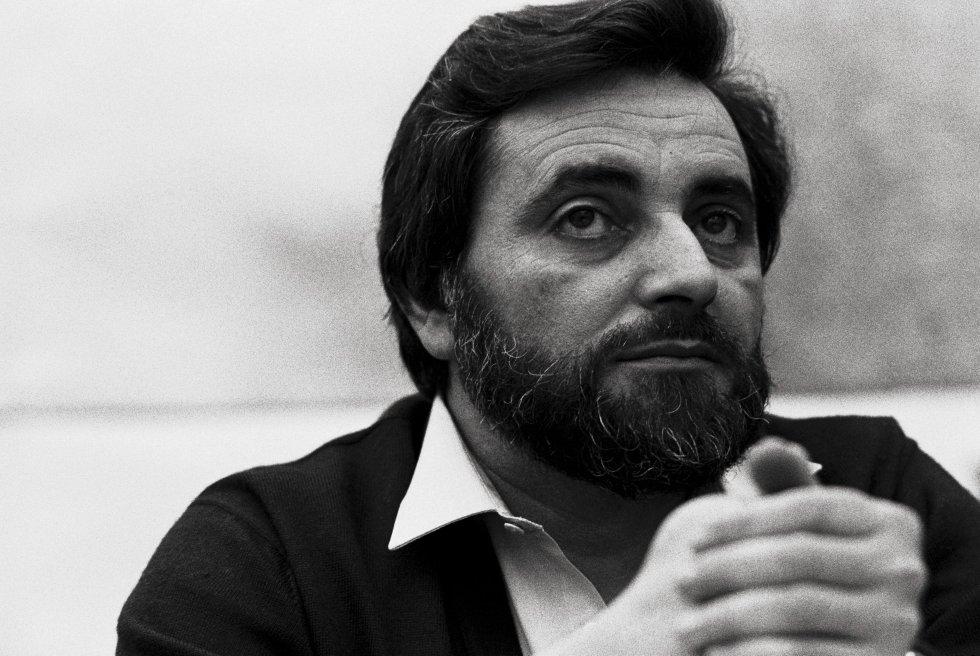Julio Anguita en 1983, durante un acto en su etapa como alcalde de Córdoba.