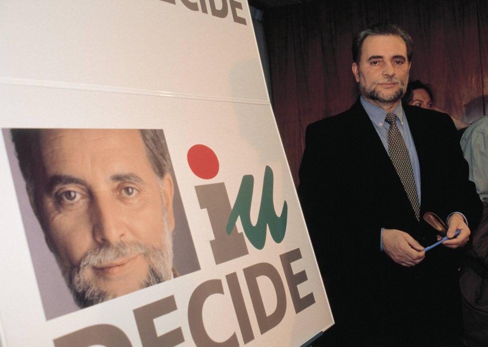 Presentación electoral de la camapaña de Anguita por IU para las elecciones generales de 1996.