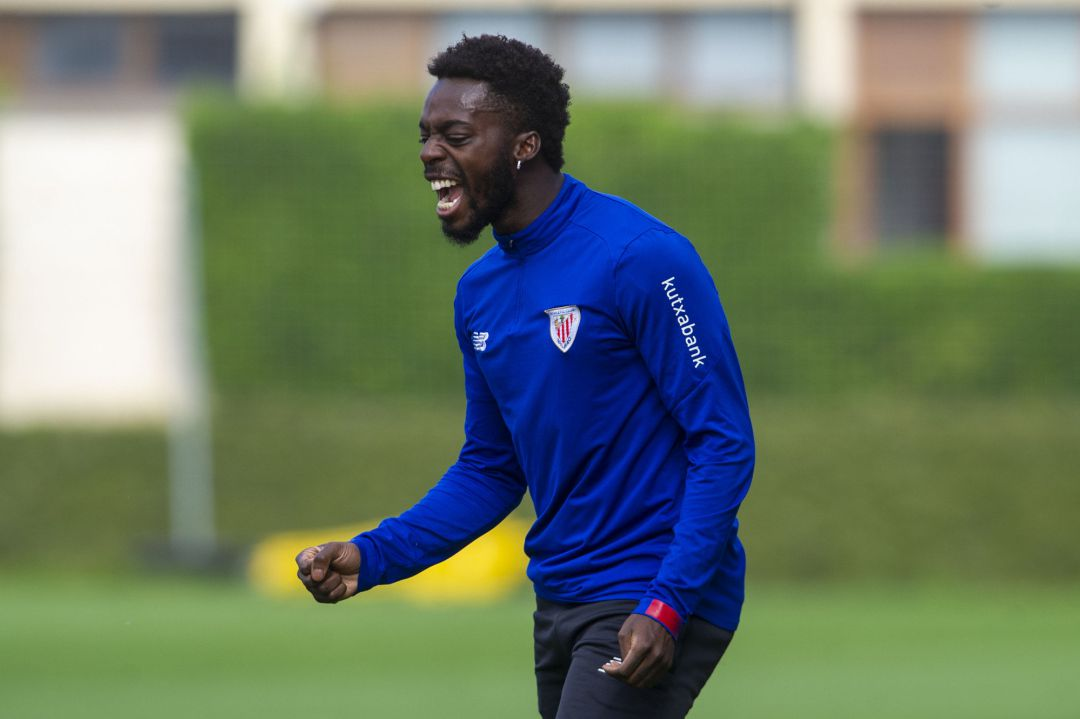 Iñaki Williams, jugador del Athletic Club, celebrando un gol en un entrenamiento