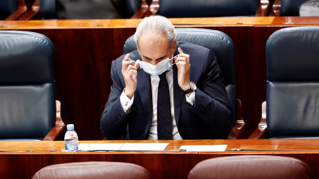 Escudero admite que se envió por error instrucciones a las residencias para no derivar a hospitales