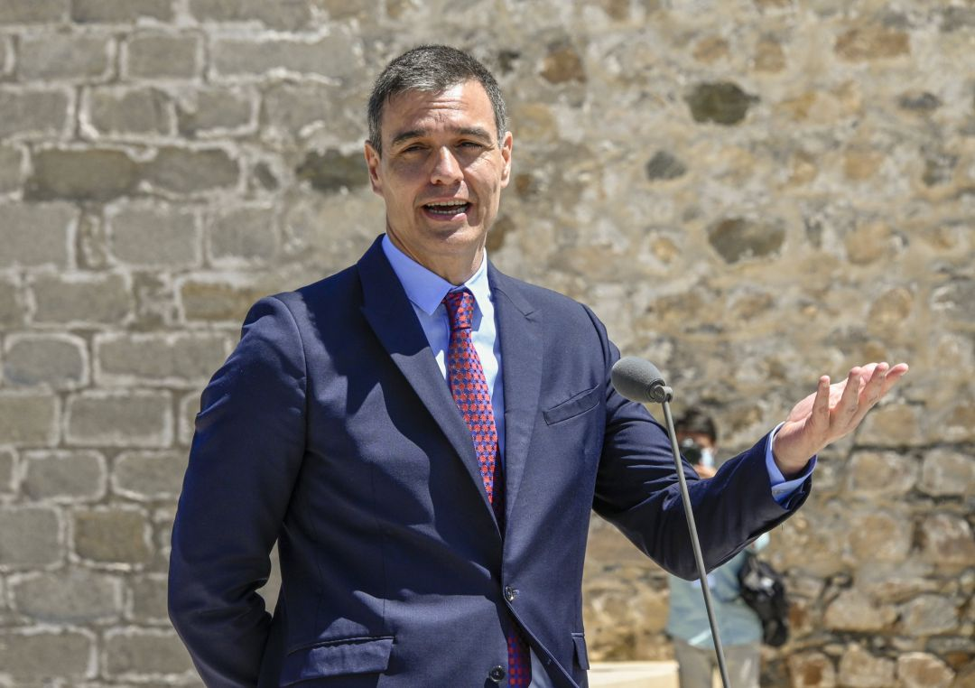 Spanish President of the Government Pedro Sánchez talks to journalists at the end of the ceremony of border reopening in Elvas Castle