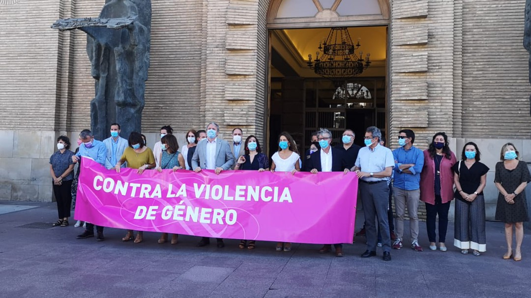 Zaragoza sale a la calle en repulsa por la violación a la joven discapacitada