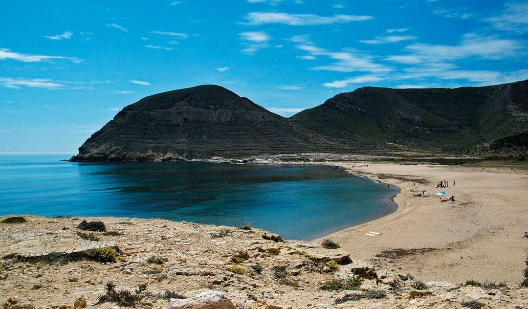 Segundo bañista fallecido en un día tras ser evacuado en el Playazo de Rodalquilar | SER Almería | Cadena SER