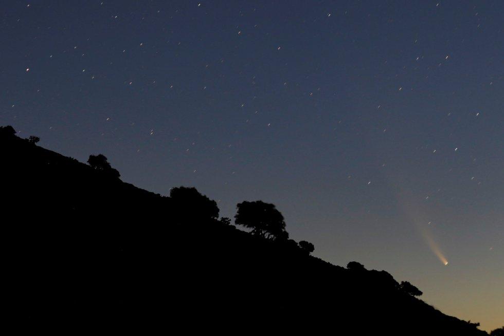 El cometa Neowise, visto desde el Puerto del Viento (Ronda, Málaga).
