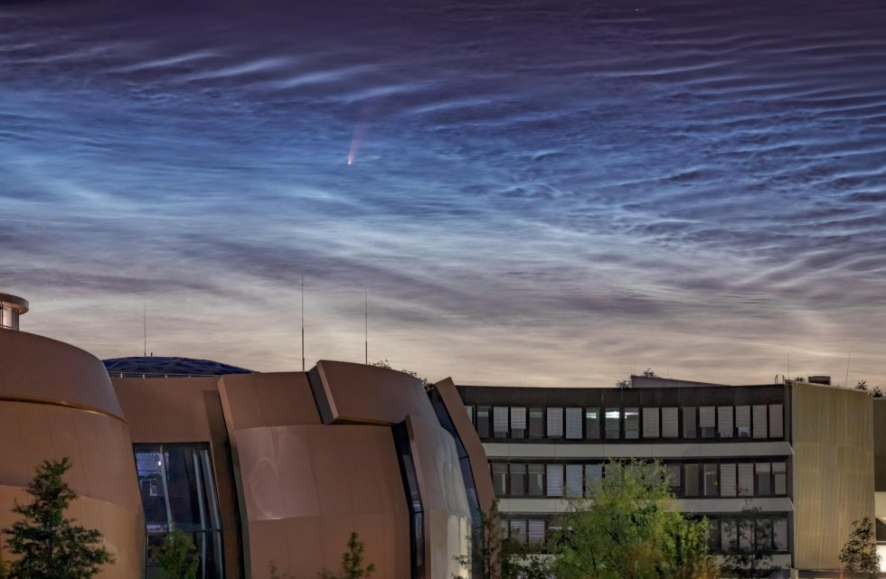 Imagen del cometa Neowise facilitada por el Observatorio del Sur de Europa (ESO), visto desde Garching (Alemania).