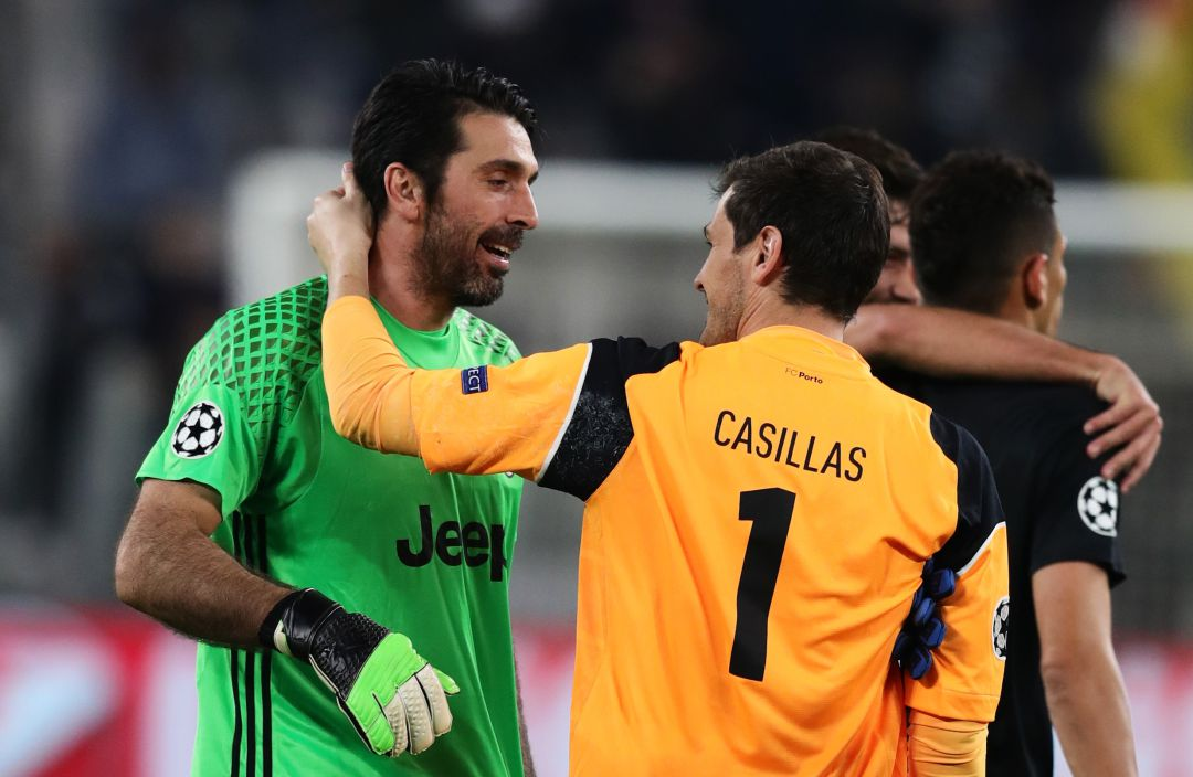 Gianluigi Buffon, junto a Iker Casillas