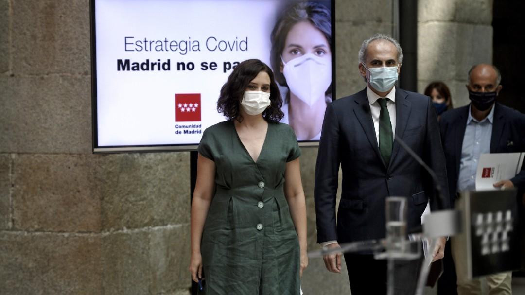 Madrid emprende una campaña contra Fernando Simón para tapar su falta de rastreadores