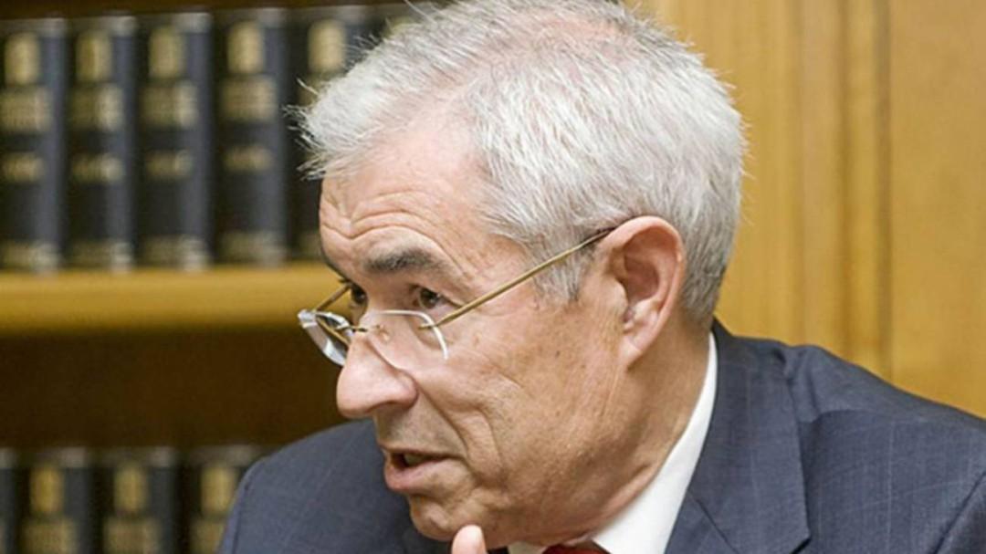 Dimite Emilio Bouza, el 'Fernando Simón' madrileño, 48 horas después de ser nombrado