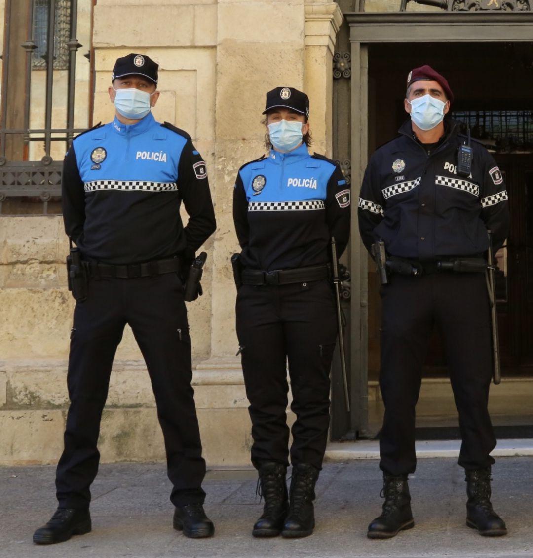La Policía Local Estrena Indumentaria Con Materiales Reciclados Y Sostenibles Radio León Actualidad Cadena Ser