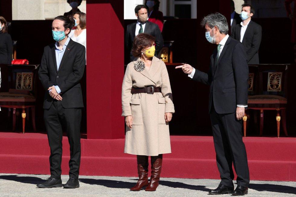 Los vicepresidentes del Gobierno, Pablo Iglesias y Carmen Calvo, junto al presidente del Consejo General del Poder Judicial, Carlos Lesmes