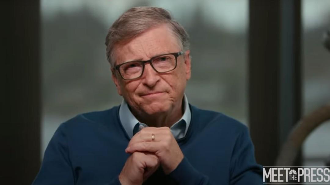 La normalidad no volverá con la primera vacuna, según Bill Gates