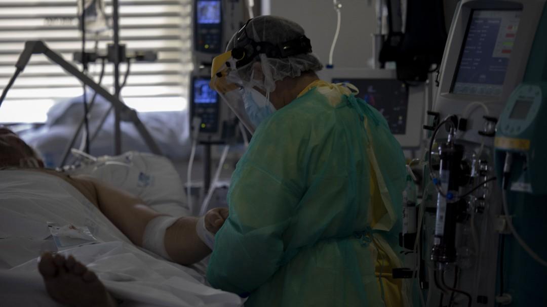 España supera el millón de contagios de coronavirus tras sumar Sanidad 16.973 nuevos casos