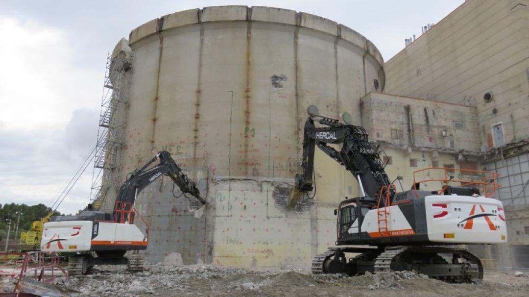 Empieza la demolición del edificio de contención del reactor de Zorita |  SER Guadalajara | Cadena SER