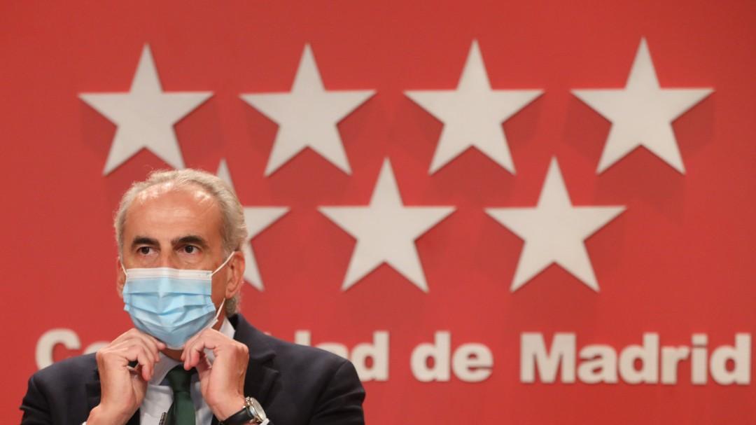 Madrid anuncia nuevas restricciones desde el sábado: prohíbe reuniones sociales de 0 a 6 h. de no convivientes