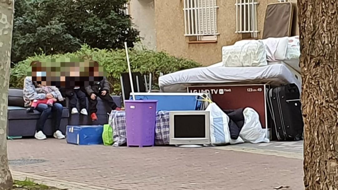 Desahuciada una familia con cuatro menores en pleno estado de alarma