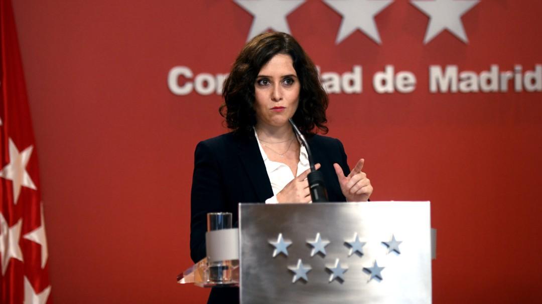 Díaz Ayuso se resiste a decretar el confinamiento perimetral hasta el 9-N que sí aplican las dos Castillas