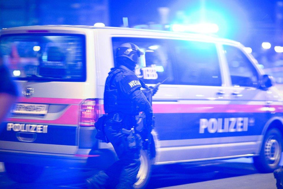 Los alrededores de la sinagoga Stadttempel tras el atentado