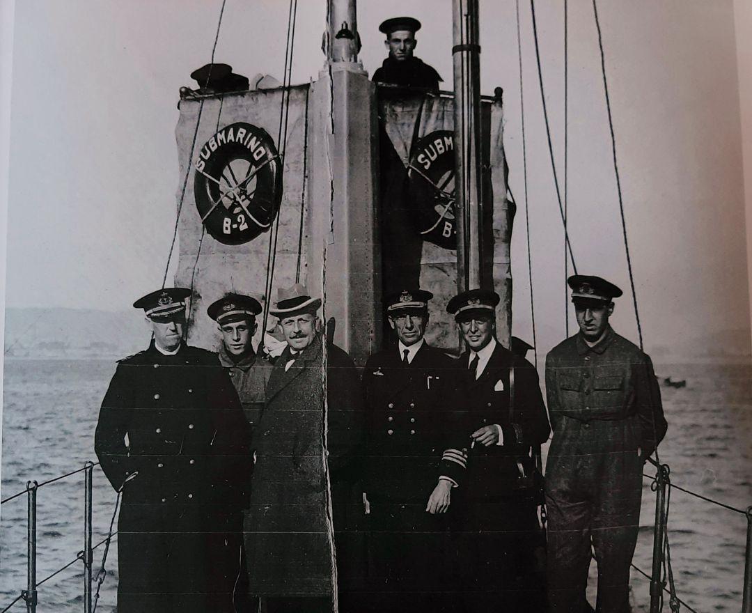 El empresario bilbaíno Horacio Echevarrieta, a bordo de uno de sus submarinos