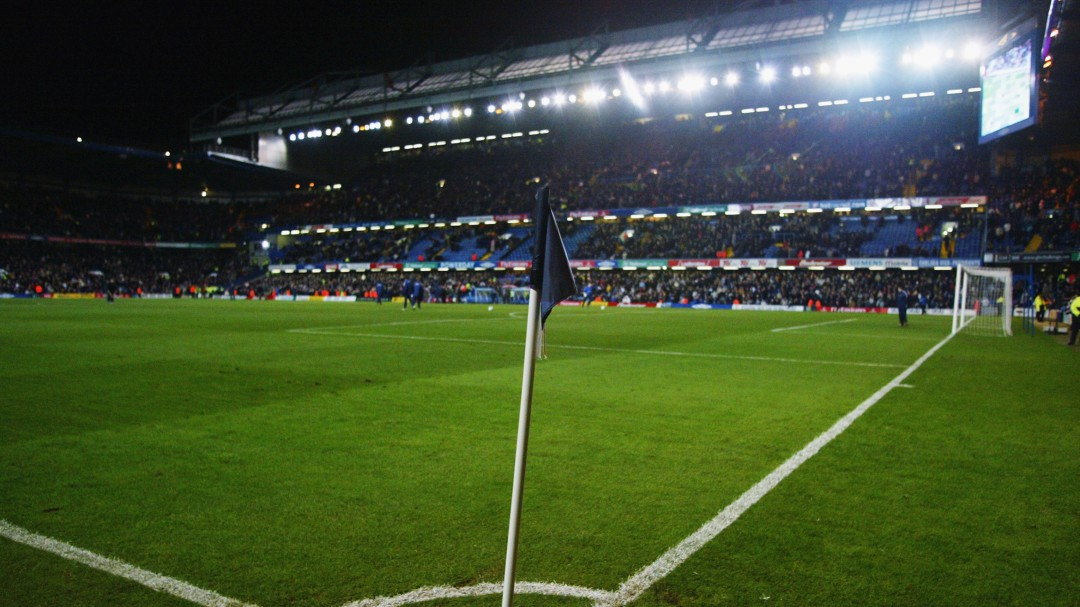 El público volverá a los estadios ingleses el 2 de diciembre y en España antes de que acabe la temporada