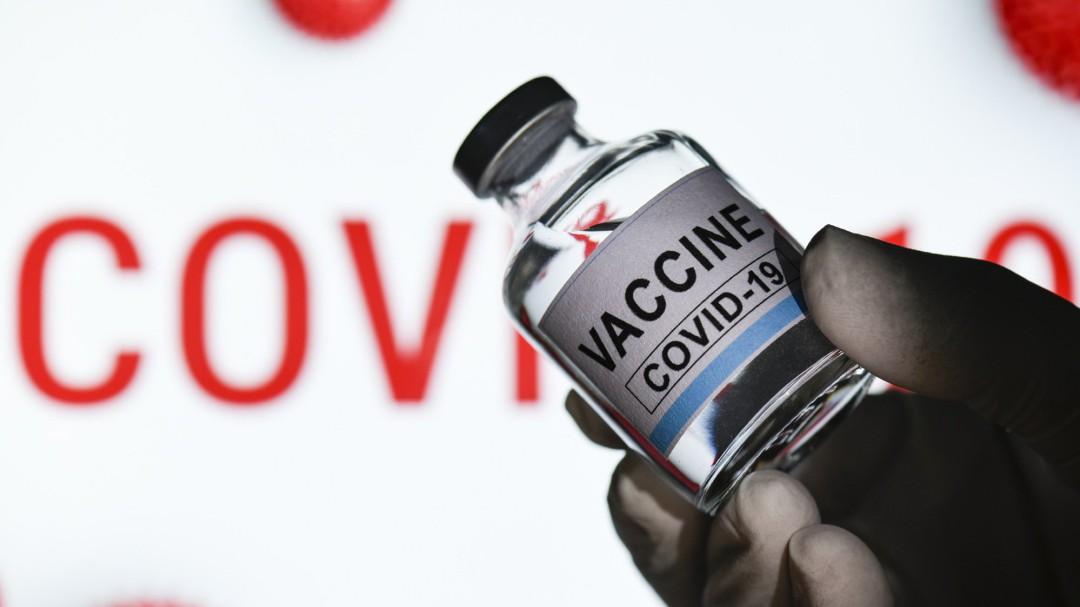 """Un epidemiólogo pone fecha al fin de la pandemia en España: """"Estará garantizada la inmunidad colectiva"""""""